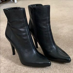 Nine West Gettyo Heeled Boots, Women's 5, Black